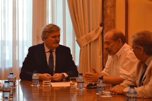 """""""La pregunta de Samuel"""", un encuentro con el Ministro por la educación gitana"""