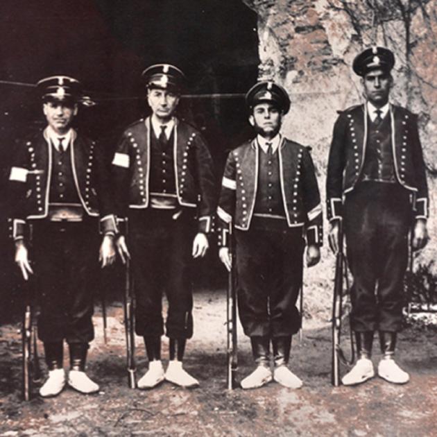 El 25 de febrer de 1936 Companys nomena un gitano al capdavant dels Mossos d'Esquadra