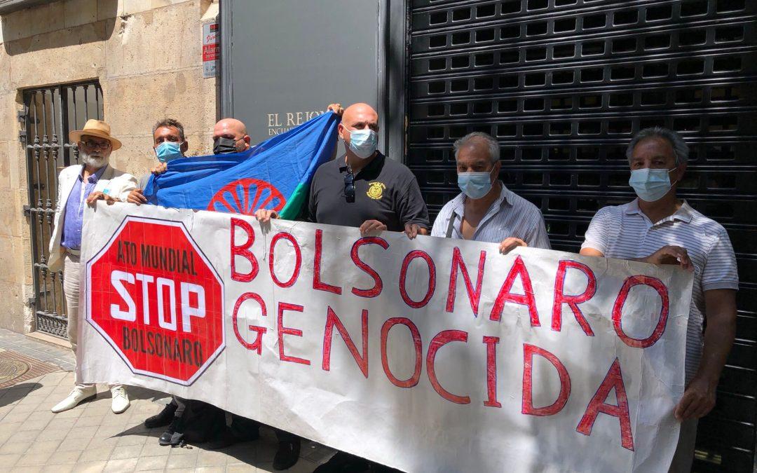 Gitanos y gitanas de diferentes Comunidades Autónomas se manifestaron en Madrid contra los asesinatos de personas gitanas en Brasil